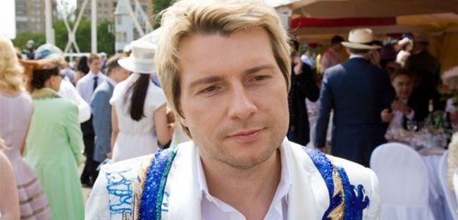 Басков подарував рояль Анастасії Волочкової