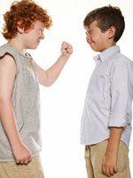 Що робити, якщо дитина б'ється?