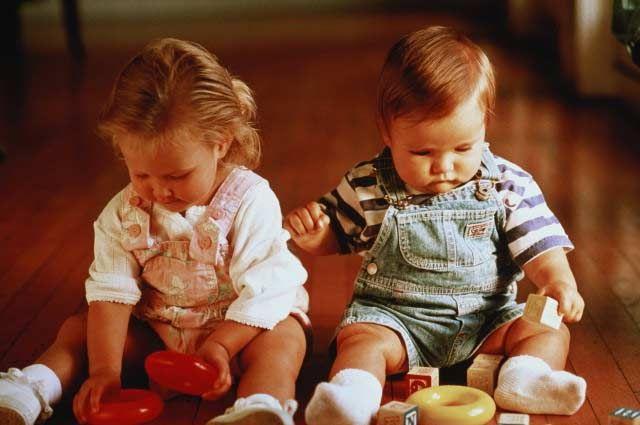 Що робити, якщо дитина не хоче грати з іншими дітьми?