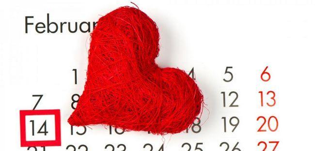 Що подарувати другу на 14 лютого: цікаві ідеї