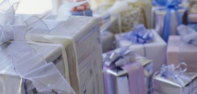 Що подарувати на весілля: цікаві ідеї для весільних презентів