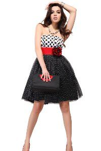 Короткі сукні на випускний 2012