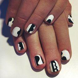 Манікюр на нігтях голкою
