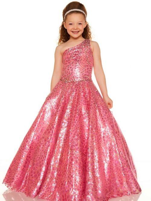 Модні дитячі сукні на випускний у дитячому садку 2015
