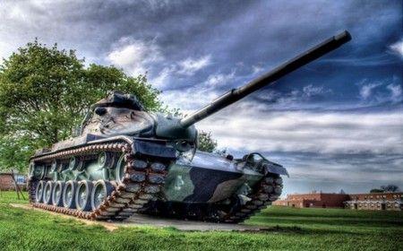 Офіційні та зворушливі поздоровлення з Днем танкіста у віршах і прозі