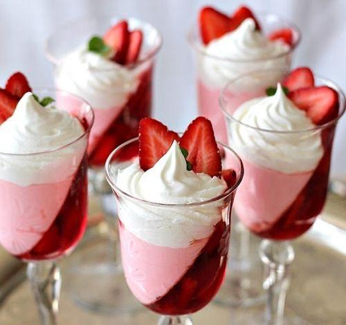 Вершковий десерт на День святого Валентина