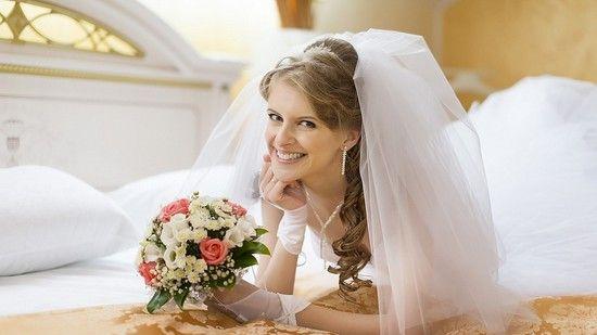 Зворушливі поздоровлення на весілля подрузі у віршах і прозі