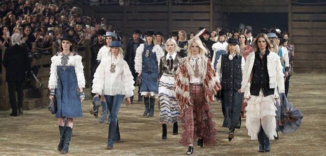 У Далласі відбувся щорічний показ Chanel Metiers d'Art